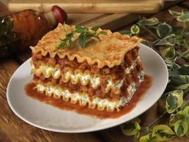 lasagne met gekrulde randen foto