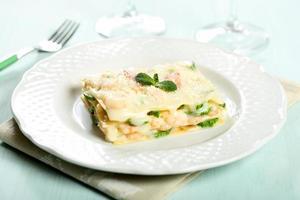 lasagne met courgette en garnalen foto