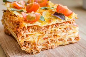 lasagne met kerstomaatjes foto