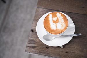 latte art koffie in de coffeeshop foto