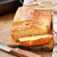 zelfgemaakt kaasbrood foto