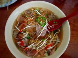 noodle schaal foto