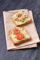 sandwiches met avocado foto