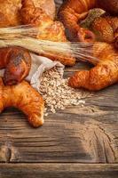 stilleven van gebakken goederen foto