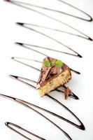 notentaart met chocoladesuikerglazuur foto