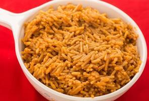 gekookte Spaanse rijst foto