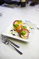 insalata caprese - caprese salade foto