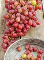tros rode druiven foto