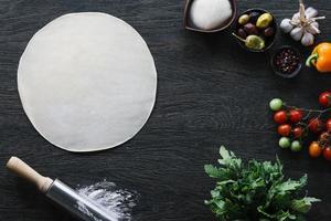 Italiaanse pizza koken foto