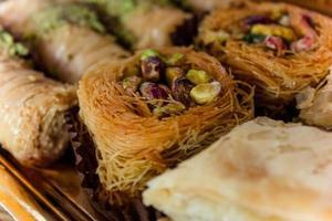 Arabische zoete dessertverrukkingen met pistache foto