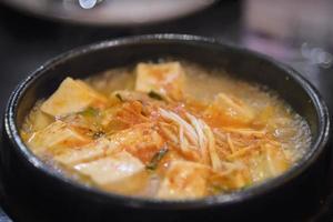 Koreaanse zachte tofu-soep foto