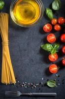 cherrytomaat en spaghetti foto