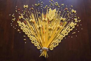 als een bloem die pasta groeit foto
