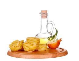 pasta met olijfolie en tomaten foto