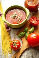 tomatensaus en spaghetti