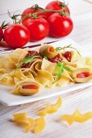 pasta met tomaat en rucola
