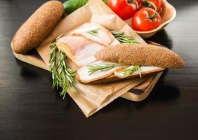 spek, rozemarijn, stokbrood, foto