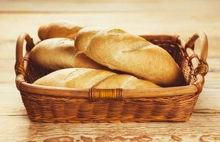 vers gebakken stokbrood foto