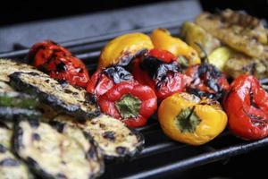 barbecue gegrilde groenten foto