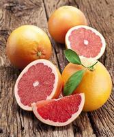grapefruit met plakjes. foto