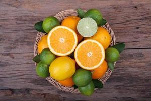 mix van verse citrusvruchten foto