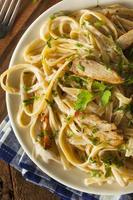 huisgemaakte fettucini aflredo pasta foto