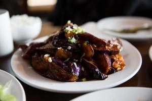 Sichuan pittige aubergine foto