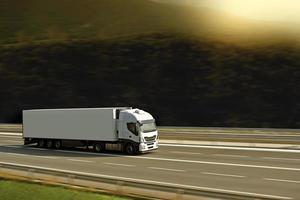 semi vrachtwagen met zonlicht foto
