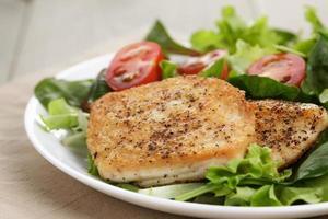 gebraden kip met gemengde salade
