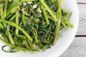 Vietnamese gewokte morning glory groente