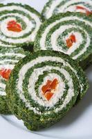 heerlijke spinazie broodjes met roomkaas macro verticaal foto