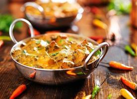 Indiaas eten - saag paneer curry gerecht foto