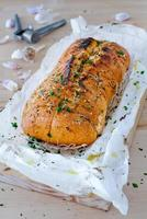 huisgemaakt lookbrood. foto