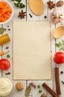 kruiden en specerijen op hout foto