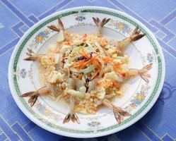 garnalen mix thaistyle in citroenkruiden foto