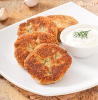 schnitzels bloemkool met dille en knoflook foto