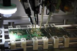 automatische machines voor het solderen foto