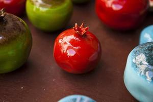 keramische granaatappel foto