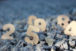 nummers op de rotsen foto