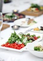 heerlijke salade bij een banket foto
