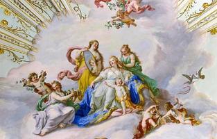 fresco op het plafond van het paleis