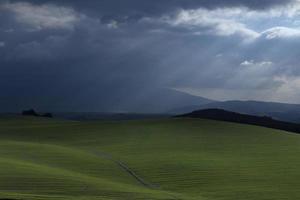 de stilte voor de storm foto