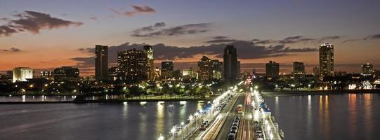 zonsondergang in st. Petersburg foto