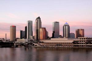 tampa stad architectuur in de schemering florida usa foto