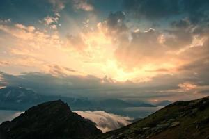 berg zonsondergang zomer
