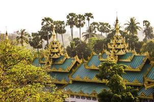 shwedagon pagode in yangon foto