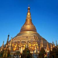 shwedagon pagode in yangon, myanmar foto