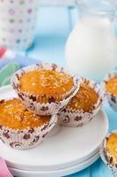 "muffins ""pina colada"" met ananas en kokos foto"