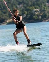 meisje wakeboarden foto