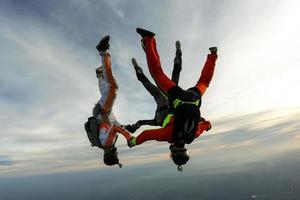 parachutespringen foto.